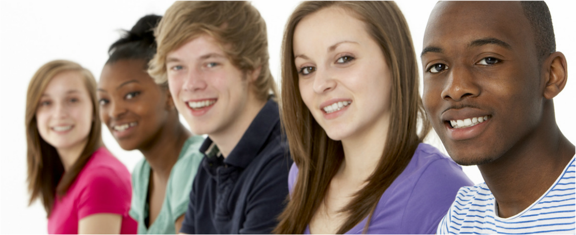 Picture of group of teenagers smiling at the camera